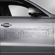 Gemeinsam entwickeln die Antriebe eine Leistung von 245 PS.Der Hybridantrieb soll den Verbrauch des SUV auf unter sieben Liter drücken.