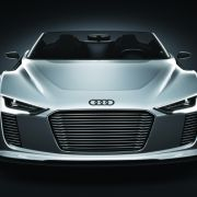Beim e-tron Spyder kombiniert Audi Diesel- und Elektroantrieb.