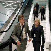 Nach ihrer Protestaktion müssen die beiden Aktivisten Andreas (Tobias Schenke) und Mila fliehen.