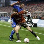 Renato Augusto (links) war der Held des Spiels. Der Leverkusener erzielte den späten Siegtreffer und brachte St. Pauli damit die vierte Niederlage in Folge bei.