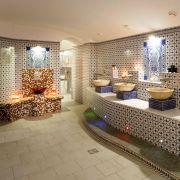Im islamischen Glauben spielen Sauberkeit und Reinigung eine große Rolle. Aus diesem Grund wurden die öffentlichen Badehäuser gebaut. Hier konnte sich jeder waschen und reinigen, der zuhause keine Dusche hatte.