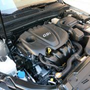 Der Vierzylindermotor arbeitet leise und unaufgeregt. Mit den 200 PS ist der Koreaner gut motorisiert ...