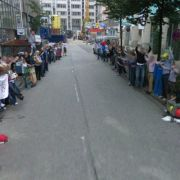 Partystimmung vor der Google-Zentrale inHamburg.