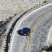Auf kurviger Landstraße oder Autobahn ist der Hecktriebler - wie gewohnt - ein absoluter Sportwagengenuss.
