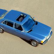 Der W123 wuchs gegenüber seinem Vorgänger ein gutes Stück in die Länge, doch die 4,7 lange und 1,7 Meter Limousine brachte mit 1,39 Tonnen nicht mehr auf die Waage als ein Kompaktwagen von heute.
