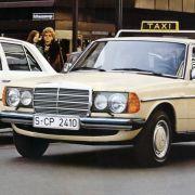 Auch die deutschen Taxifahrer schwören noch heute auf die Qualitäten des Mercedes W123: gemütlich und nahezu unzerstörbar.