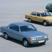 Nach der Fertigung von fast 2,7 Millionen Autos, von denen eine Million in alle Welt exportiert wurden, stellt man 1985 die Herstellung aller Varianten des W123 ein.