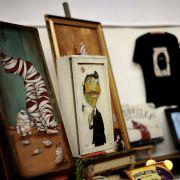 Junge urbane Kunst und außergewöhnliche Designs sind die Markenzeichen des Holy Shit Shoppings. Christbaumschmuck und Weihnachtssterne suchen Sie hier vergebens.