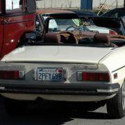 Der beste Platz für den mobilen Schatzi - etwa der heißgeliebte Alfa Romeo Spider - ist die Garage. Wenn man diese Unterstellmöglichkeit nicht hat, dann bleibt nur die Straße. Achtung: Hier dürfen nur angemeldete Fahrzeuge mit sichtbarem Nummernschild ste