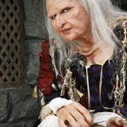 Veronika Ferres in der Rolle ihres Lebens: In Das blaue Licht spielt sie eine Hexe.