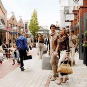 Das Wertheim Village bietet derzeit rund 13.500 Quadratmeter Verkaufsfläche. Das Geschäft scheint gut zu laufen - schon bald sollen daraus 19.500 Quadratmeter werden. Also noch mehr Platz für Shops, Marken und Einkaufsfeeling.