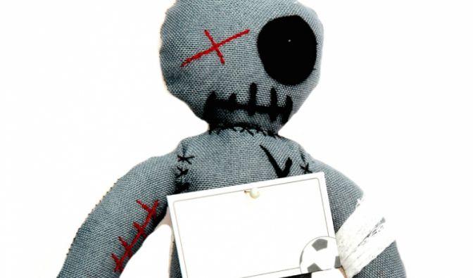 Voodoo Puppe Dunkel (Foto)