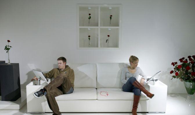 Sofa mit Rotweinflecken (Foto)