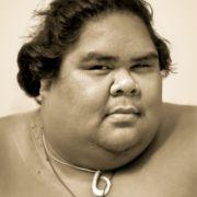 Dass es wesentlich besser geht, bewies der bereits verstorbene Hawaiianer Israel Kamakawiwoʻole - kurz IZ - der den Song 1995 neu aufnahm, aber erst 2010 großen Erfolg damit erlangte.