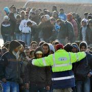 Das Flüchtlingslager der Insel ist vollkommen überfüllt.