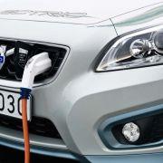... der mit einer Ladung seiner Lithium-Ionen-Batterie bis zu 150 Kilometer weit fahren kann.