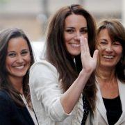 Kate Middleton mit ihrer Mutter Carole und Schwester Pippa.