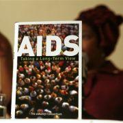 Biologische Waffe: Es gibt Leute, die glauben, Aids sei von Wissenschaftlern der US-Regierung entwickelt worden, um die Afroamerikaner auszurotten.