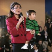 Den sogenannten Trig Truthers zufolge, hat Sarah Palin die Schwangerschaft mit ihrem jüngsten Sohn Trig nur vorgetäuscht