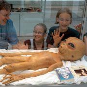 UFO-Gläubige sind sich sicher, dass die US-Regierung in Roswell Aliens und fliegende Untertassen versteckt hält.