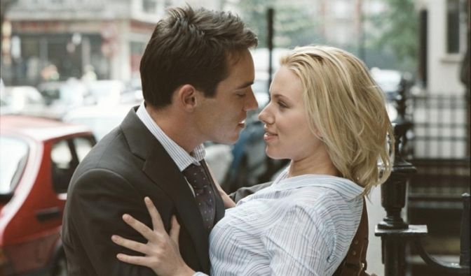 Jonathan Rhys-Meyers und Scarlett Johansson