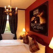 Agatha Christie - die Queen of Crime trifft man in vielen Zimmern.