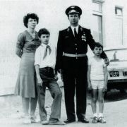 Vitali (2. von links) und Wladimir Klitschko mit ihren Eltern.