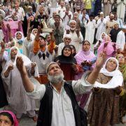 Etwa vier Millionen Menschen in Deutschland stammen aus muslimisch geprägten Ländern. Der Islam ist neben dem Christen- und dem Judentum die dritte große, monotheistische Weltreligion. 900 Millionen Menschen weltweit sind Muslime.