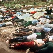 Die Panik vor Sekten wurde unter anderem durch die Massenselbstmorde geschürt. Der erste bekannte Fall fand 1978 in Guyana statt.