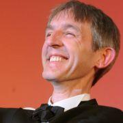 Andreas Schmidt bei der Verleihung des Deutschen Filmpreises 2009. Er gewann die Trophäe für die beste männliche Nebenrolle in Fleisch ist mein Gemüse.
