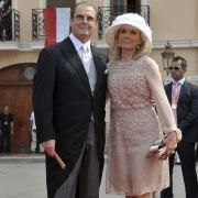 James-Bond-Darsteller Roger Moore und seine Frau Kristina.