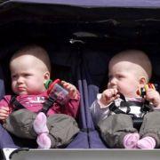 Auch von diesen hier gibt es wieder ein paar mehr in Deutschland. 678.000 Kinder wurden 2010 in Deutschland geboren, 13.000 mehr als im Jahr zuvor. Weiter so!