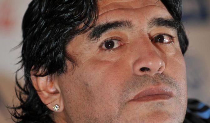 Er war die Hand Gottes und für einige ist er auch an sich ein Gott: Diego Maradona. Die Maradona-Kirche (Iglesia Maradoniana – La Mano de D10S) soll rund 40.000 Anhänger weltweit haben. Maradona wird von den Mitgliedern als D10S bezeichnet. Dies basiert