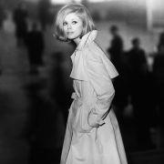 Das Model auf dem Foto könnte gut und gern Darstellerin eines Agentenfilms sein. Fotografiert wurde sie von Günter Rössler.