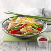 Wok-Gemüse-Pfanne mit Rotbarsch