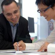 Machen Sie sich einen Karriereplan. Zielstrebigkeit kommt auch beim Chef gut an.