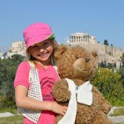 Für Tochter Shania ist besonders wichtig, dass ihr Teddy mit von der Partie ist.