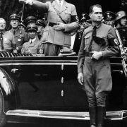 ... der politisch-historische Wortschatz: «führer», «blitzkrieg», «ostpolitik», «to blitz» (für einen schnellen Angriff) und «berufsverbot».