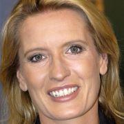 Claudia Kleinert ist eine erfahrene TV-Moderatorin. Seit 2002 präsentiert sie Das Wetter im Ersten und Wetter nach den Tagesthemen.