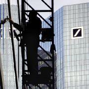 Zwischen 1975 und 1985 hatte Flicks Sohn das Konglomerat an die Deutsche Bank verkauft. Die Bank selbst ließ ihre Vergangenheit 1997 von einer Historikerkommission aufarbeiten.