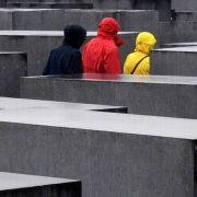 Die Degesch, eine Tochtergesellschaft der IG Farben und Degussa, stellte Schädlingsbekämpfungsmittel her - und das Vernichtungsgas Zyklon B, mit dem in Auschwitz-Birkenau der Massenmord vollzogen wurde.