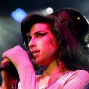Rekordpreis für Kleid von Amy Winehouse