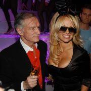 Pamela Anderson und Hugh Hefner