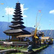 Sie dienen den Göttern zur Ruhe und Rast: Jedes Dorf auf Bali hat mehr als nur einen Tempel.
