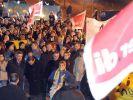 Praktiker-Mitarbeiter demonstrieren fuer Stammsitz im Saarland (Foto)