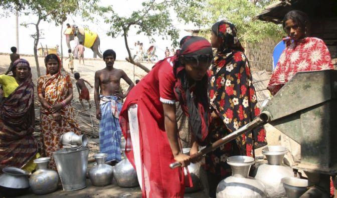 Bewohner eines Slums in Dhaka, der Hauptstadt von Bangladesch.