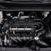 Über Vierzylinderaggregate mit 1,4 Litern Hubraum verfügen beide Fahrzeuge. Der Koreaner (im Bild) presst aus den vier Zylindern 109 PS und damit neun mehr als der Corsa.