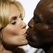 Es gibt Probleme, die lassen sich nicht wegknutschen: Topmodel Heidi Klum und Schmusebarde Seal haben sich getrennt. Die Gründe sollen unüberbrückbare Differenzen sein, heißt es in einer Mitteilung. Die Trennung zeigt: Auch ein jährlich wiederholtes Eheve