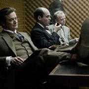 Fünf Männer hatte Control auf seiner Liste: den neuen Chef Percy Alleline, den selbstbewussten Bill Haydon (Colin Firth, links), den altgedienten Roy Bland (Ciarán Hinds), den Bürokraten Toby Esterhase (David Dencik) und seinen Ziehsohn Smiley selbst.