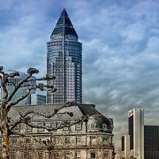 Und zum Schluss noch einmal Frankfurt, diesmal mit einem positiv belegten Spitzenplatz. Kein Ort in Deutschland ist besser für Akademiker, finden INSM und Wirtschaftswoche.